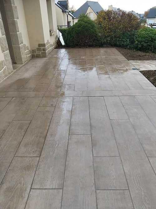 Aménagement et terrasse extérieure - Béton imprimé motif bois et dalles -Saint Alban - 22 7953416228728109796122008173598896325394432n
