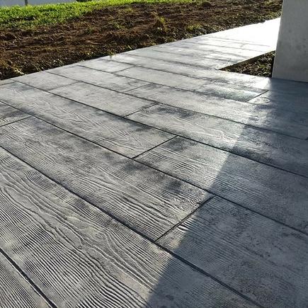 Terrasse béton imprimé bois gris - Trélivan