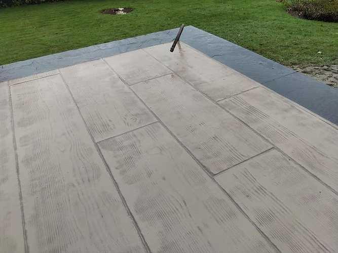 Coulage béton imprimé terrasse et allée 5