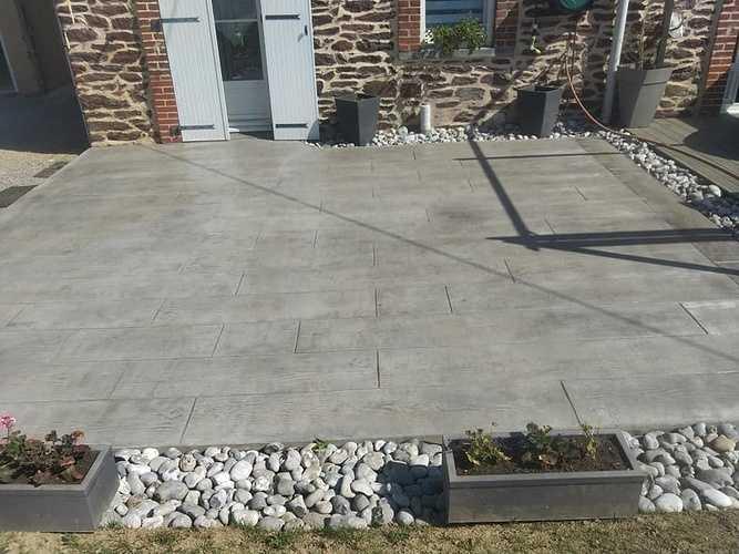 Vernissage terrasse béton imprimé bois coloris gris 3